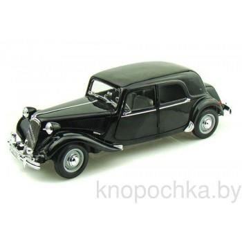 Модель автомобиля Citroen 15CV (1952) 1:18 Maisto 31821