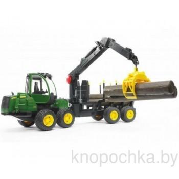 Игрушка Брудер Трактор John Deere 1210E с прицепом, манипулятором и брёвнами 02133